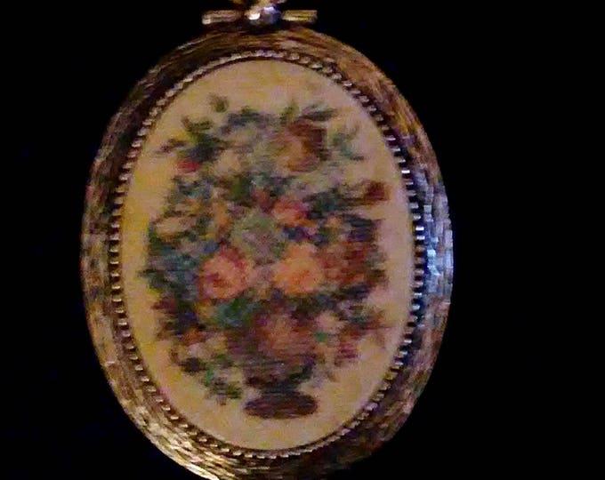 Vintage Sarah Coventry Pendant