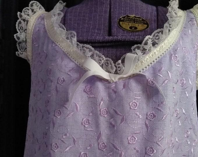 Handmade Vintage 70's Floral Embroidered Lavender Linen Lounger