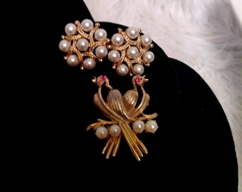 Vintage Gold and Pearl Brooch and Earrings