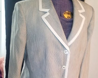 Vintage 90's Gray & White Pin-Striped Le Suit
