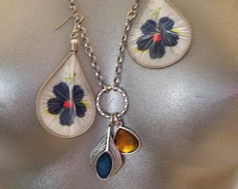 Retro Necklace and Earring Set