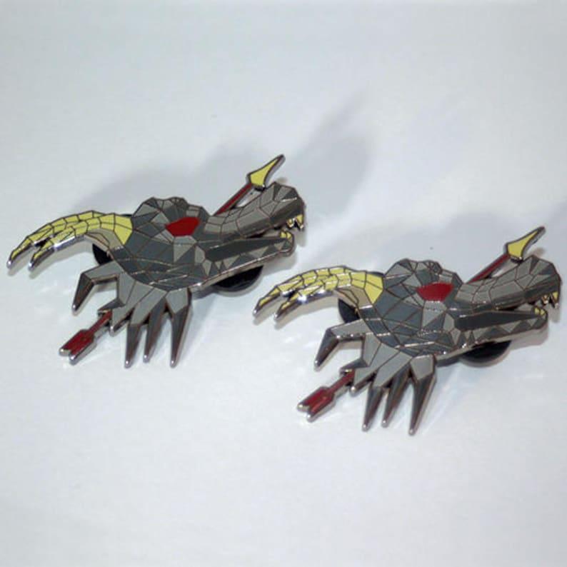 Dark Bow & Dragon Arrow OSRS Pin Set