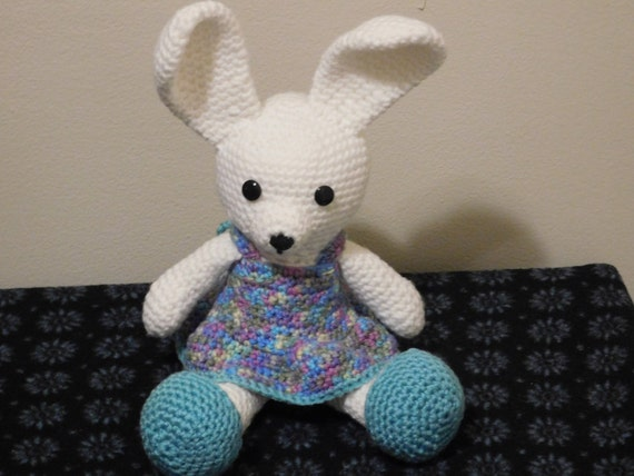 Free Crochet Pattern – Bunny Rabbit Amigurumi Doll – Goddess Crochet | 428x570