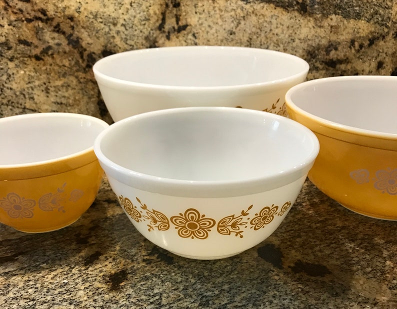 Vintage Pyrex Mixing Bowls set of 4 Golden Butterfly Like New  Mid Century # 387