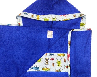 Bugs Hooded Towel Blue Yellow Green