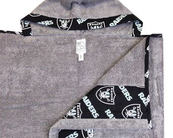 Raiders Hooded Towel Gray Black