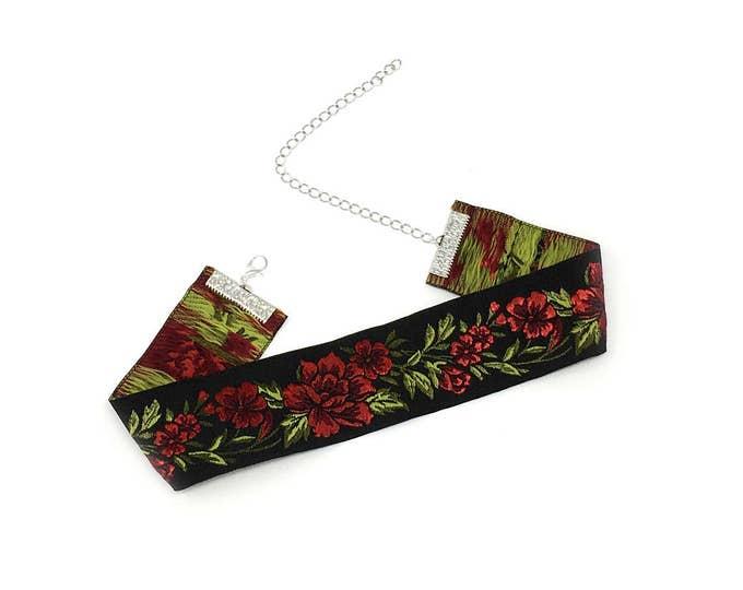 KAREN: red rose stitched jaquard ribbon choker