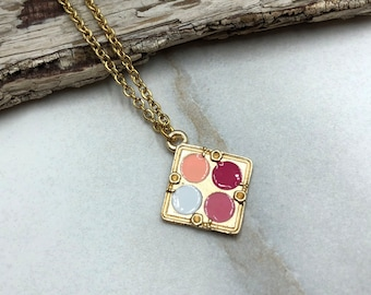 GLAMOUR: makeup palette necklace