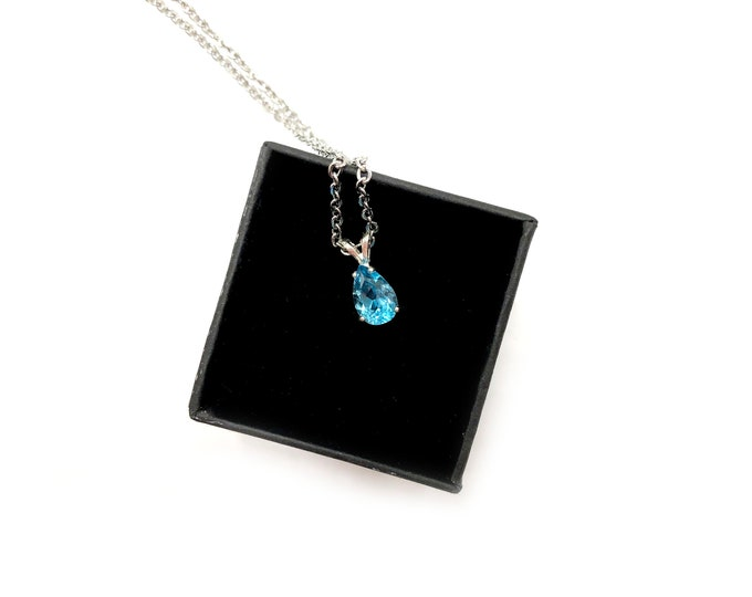 AFRICAN BLUE TOPAZ: hand set natural topaz necklace