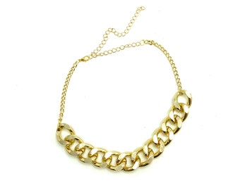 CHAINED: thick gold chain choker