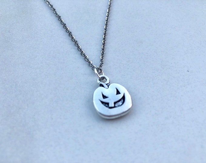 JACK: spooky pumpkin necklace