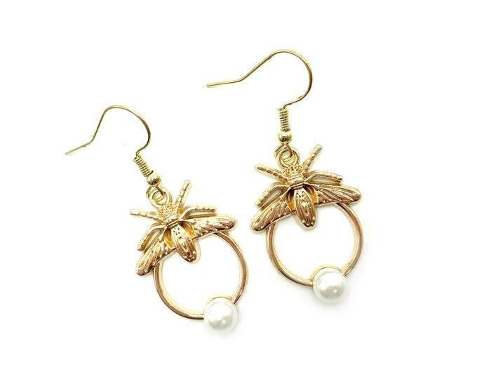 TERESA: gold tone bee earrings with faux pearl