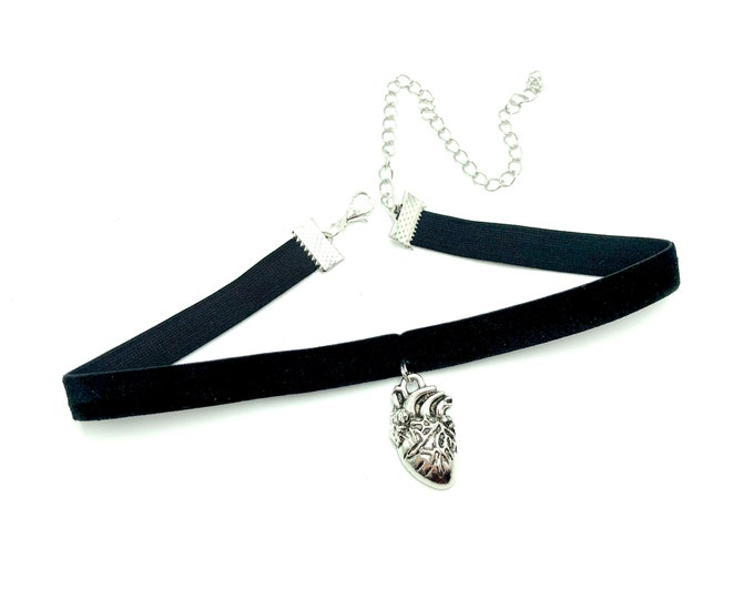 ANATOMY: velvet anatomically correct heart choker