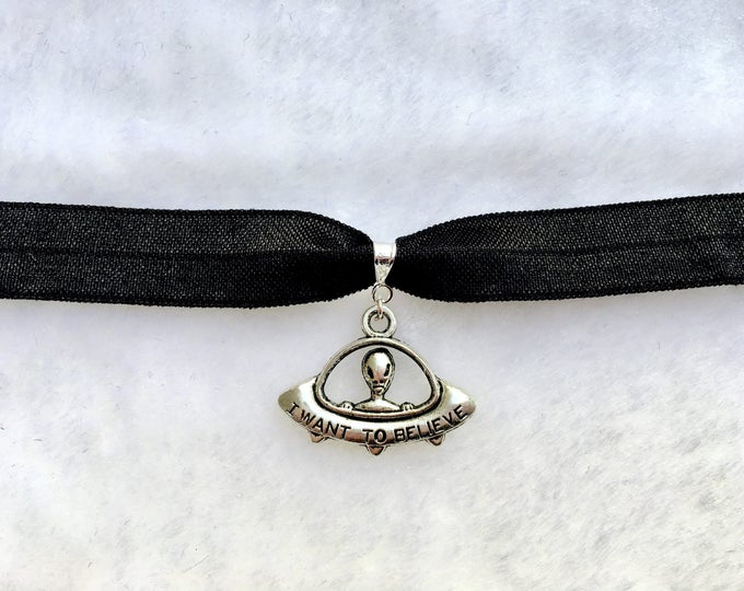 SCULLY: black ufo alien choker