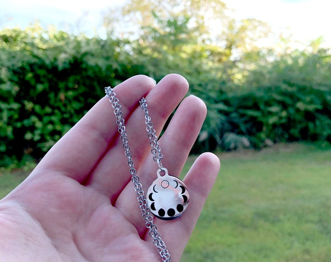 MOON PHASES: stainless steel necklace