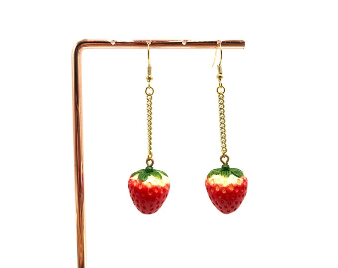 STRAWBERRY: dangly gold strawberry earrings