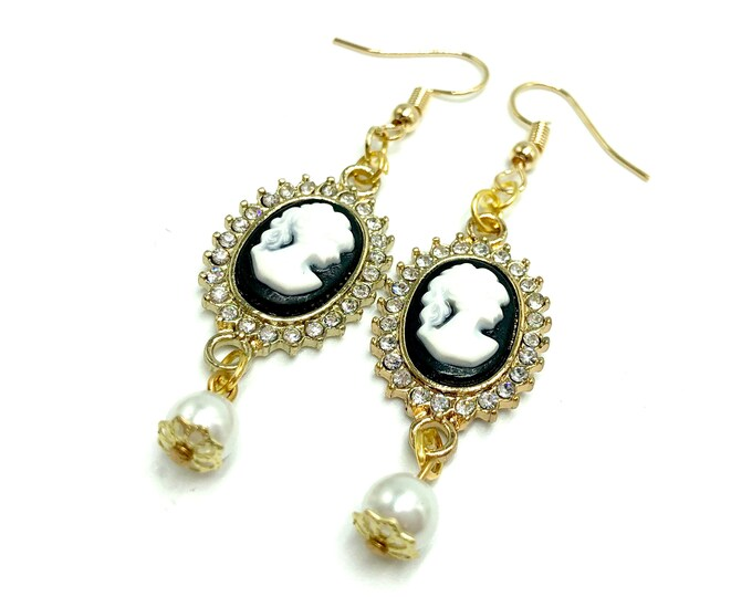 CAMEO: bejeweled cameo earrings with faux pearl accent