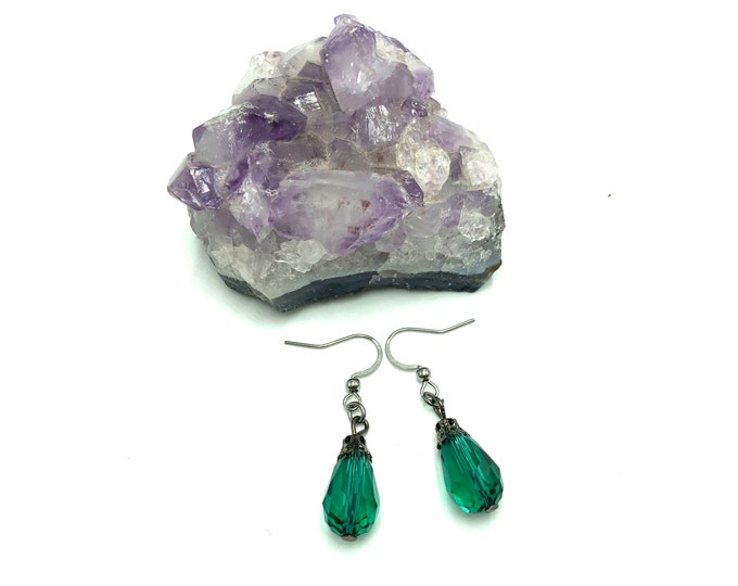 DAZZLE: emerald teardrop earrings