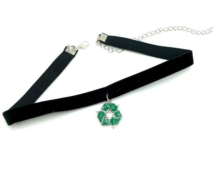 RECYCLE: recycle symbol velvet elastic choker