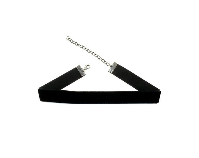 BUFFY: plain velvet choker in red or black