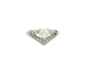 CLAUDIA: 925 sterling silver opal ring