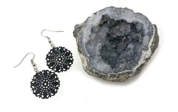 WINONA: black and silver filagree drop earrings
