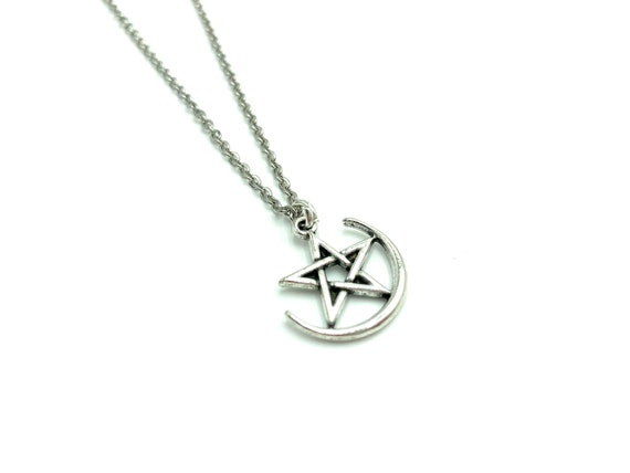 LUNAR PENTACLE: pentacle with moon silver necklace