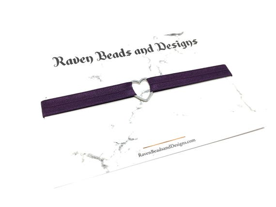 QUEEN OF HEARTS: elastic heart choker in multiple band colors