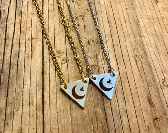 RAVEN: logo necklaces in gold and silver