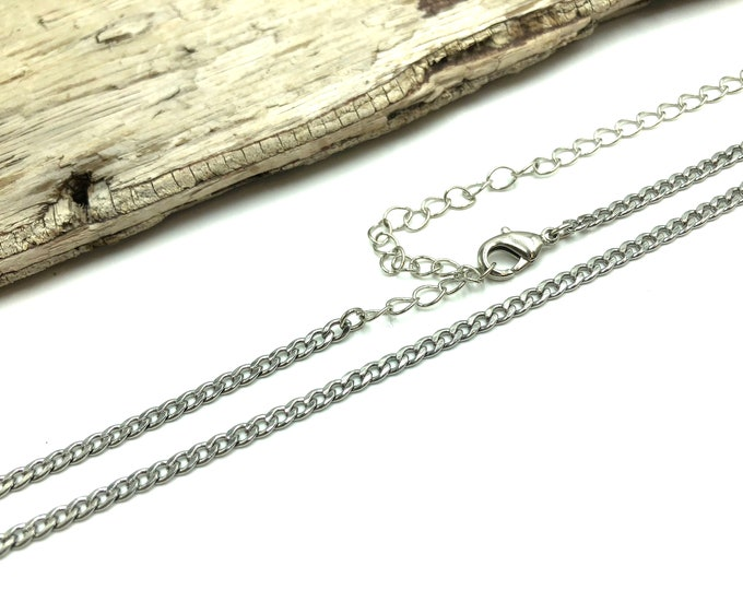 PLAIN CHAIN: minimalist chain choker