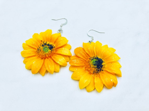 SUNFLOWER: beautiful resin statement earrings