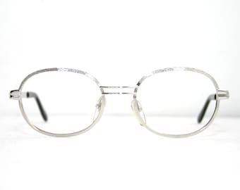 752d887024f Shiny Combed Silver Eyeglasses Oval Frame Vintage 1970 s Eye Glasses Lenses  50-20-135 Medium Size NEW Old Stock Nos FREE SHIPPING