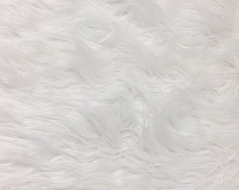 """Ivory Faux Fur for DIY Craft Projects, Costumes, Photo Prop, Home Decor, pillows Apprx. W 18"""" inches x Apprx. L 20"""" inches -702"""