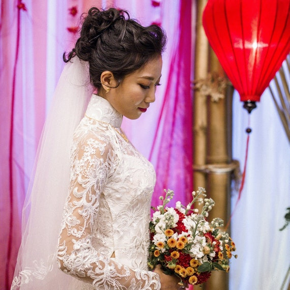 Vietnamese Wedding Gown: Wedding Ao Dai. Vietnamese Style Wedding Dress In Lace.