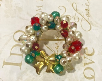 VTG Brooch Pin, Christmas Wreath, Holiday Jewelry, Christmas Pin, Stocking Stuffer, Gift for teacher
