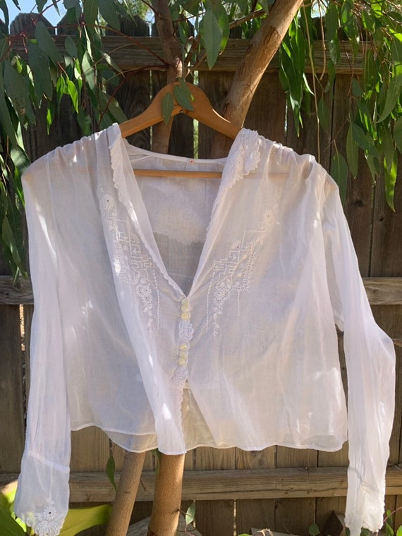 Beautiful Edwardian White cotton blouse