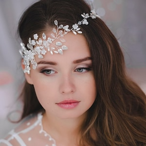 Forehead crown headband Flower forehead adornment Shiny diadem Silver circlet Gatsby style headpiece Beaded bridal Crystal tiara hair vine