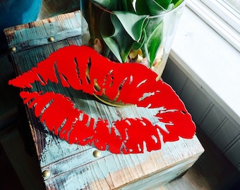 I Love You Red Metal Kiss Lips Vanity Decor
