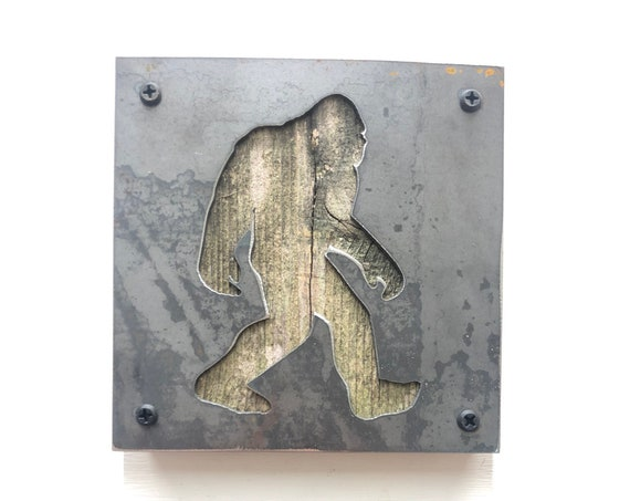 Bigfoot Sign, Yeti Decor, Sasquatch, Metal Wall Art, Man Cave, Babe Cave