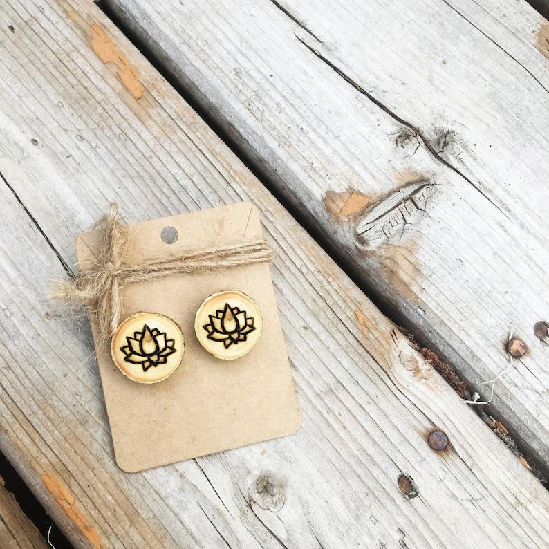 Pyrography Wooden Jewellery Wooden Jewelry Small Stud Earrings Canada Eco Friendly Natural Wood Post Earrings Maple Leaf Earrings