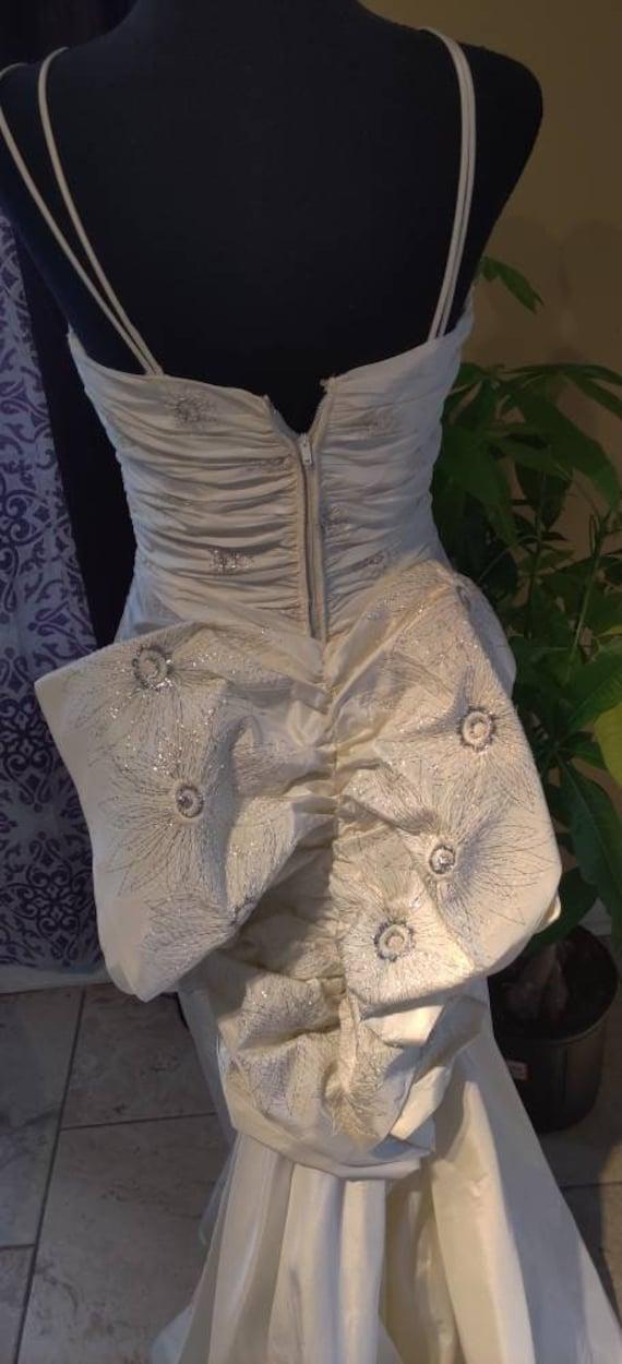 Elegant Duchess wedding dress! - image 3