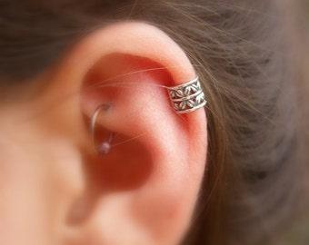 Sterling Silver Textured Ear Cuff , Cartilage , Helix , Ear Cuff No Piercing
