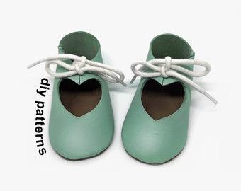 DIY baby shoes pattern - sewing baby shoe pattern - baby wedding shoes - DIY baby shoes - baby shoe template - baby shoe patterns