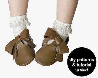 DIY baby shoe sewing pattern template with tutorial in PDF for instant download to make baby sandals with bows for babies and kids