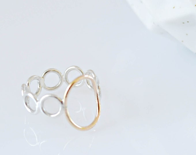 Delicate Ring with Mixed Metals, Gold Silver Oval Circles Ring