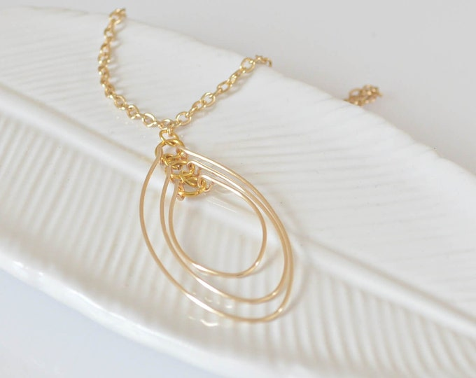 Gold Layered Oval Necklace, Geometric Pendant Necklace, Boho Chic Gift for Her