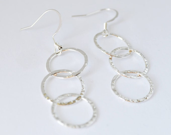 Silver Open Circle Tiered Dangle Earrings, Simple and Chic Circles Earrings, Gift for Her