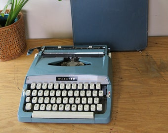 Vintage Brother Industries Ltd. Webster Blue Portable Manual Typewriter with Carry Case