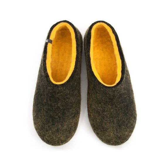 a14e523cf Mens Comfy Felted Wool Slippers /Dual Black yellow | Etsy