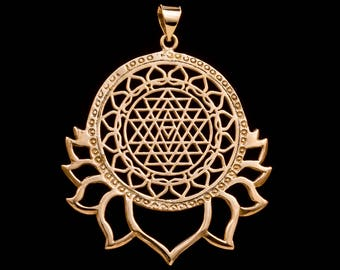 Sri Yantra Mandala Lotus Pendant amulet sacred geometry brass necklace meditation vizualization BP04
